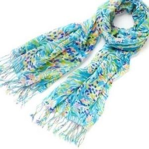 Lilly Pulitzer Accessories - Murfree scarf sea soirée
